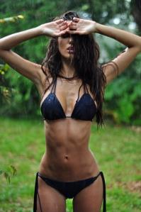 1 bikini2 fitspoholic