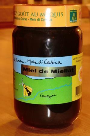 De miellat, met een lichte zoethoutsmaak, is mijn lievelingshoning.