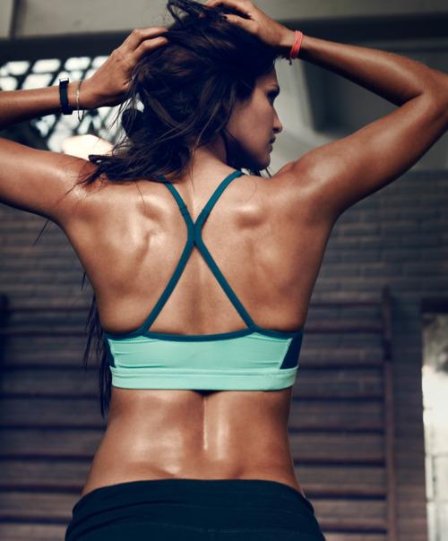 sterke smerter i magen sexy fitte