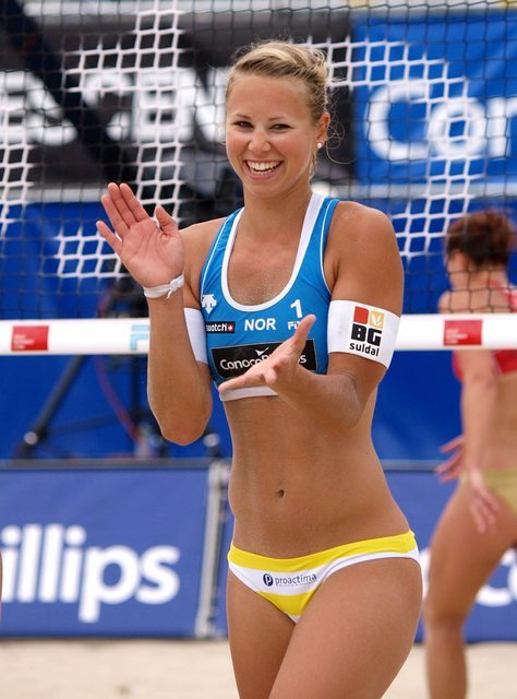 0 smile try a new sport volleybal