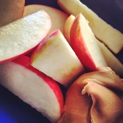 appel met pindakaas